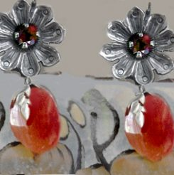 Daisy with carnelian