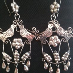 Kissing birds filigree